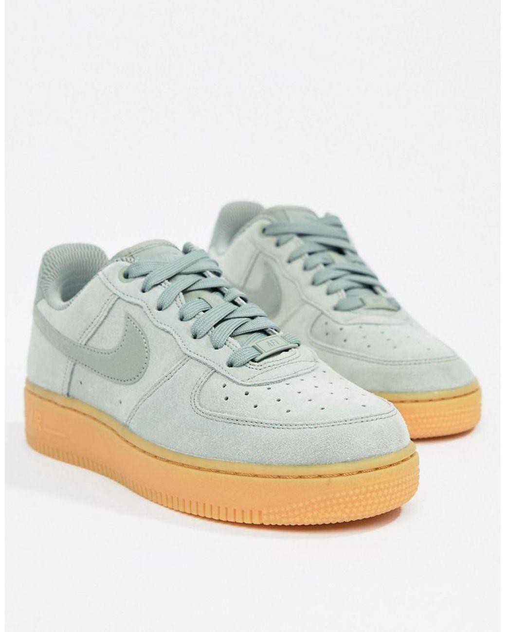 nike gum sole shoes