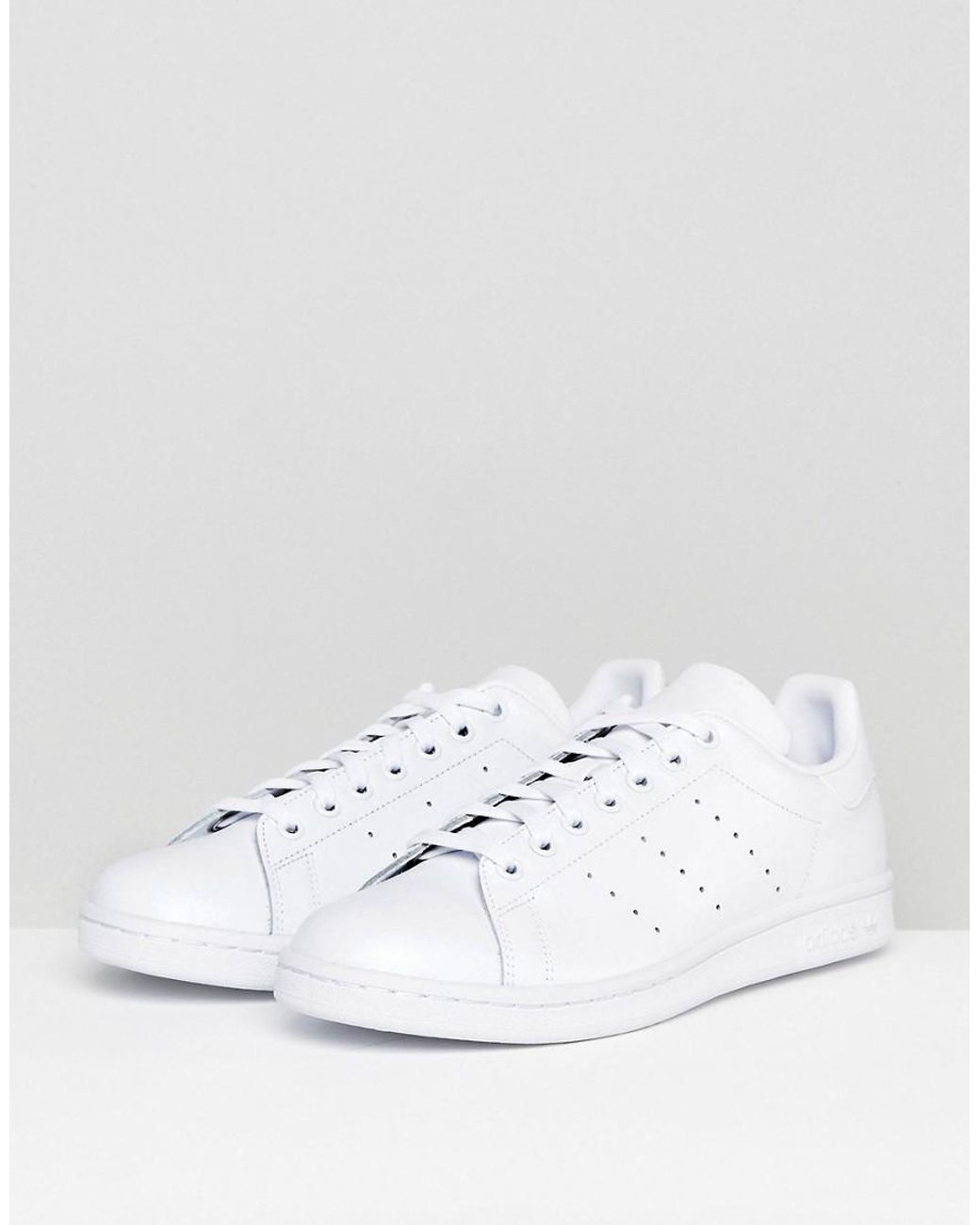 the latest cb435 8ee0f Men's Stan Smith Sneakers In White