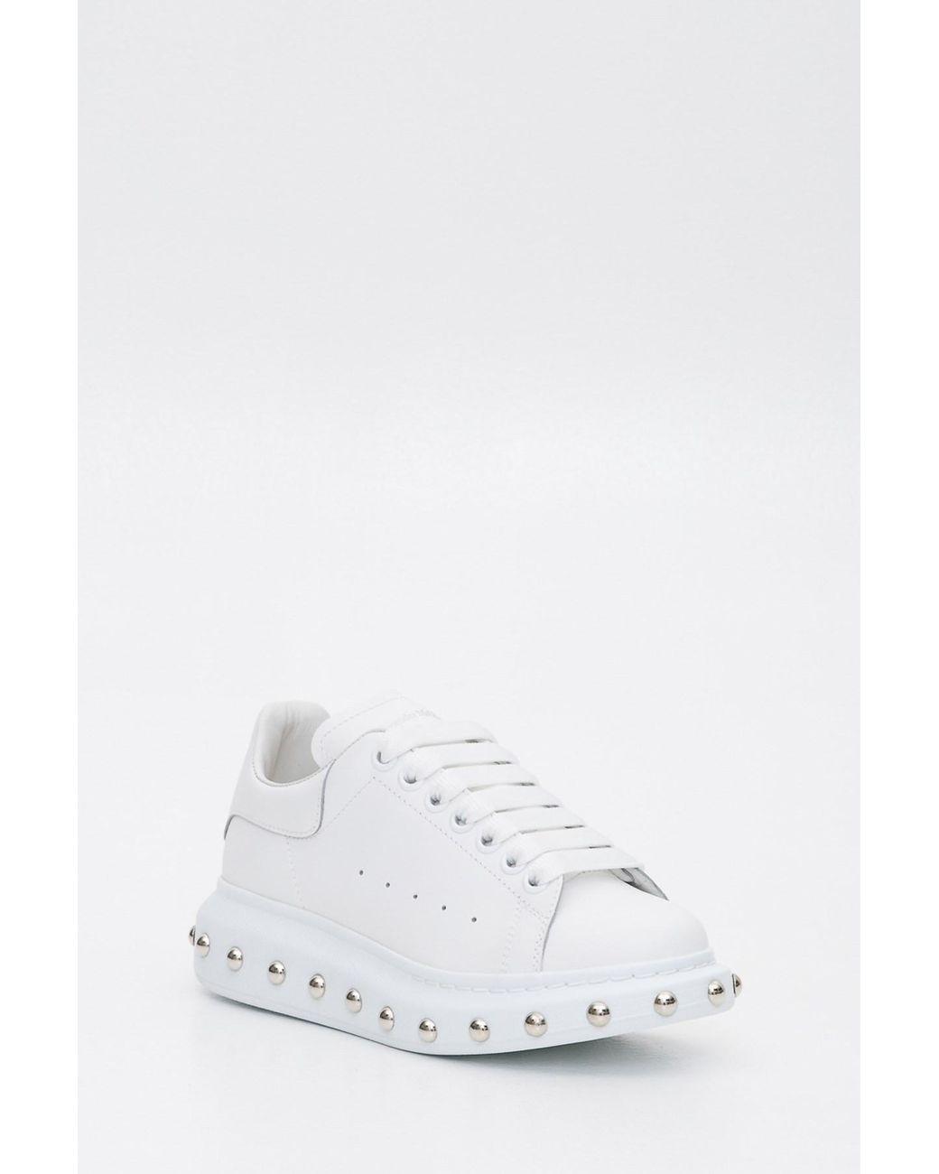 Women's White Sneaker Oversize Sole Con Borchie Sulla Suola
