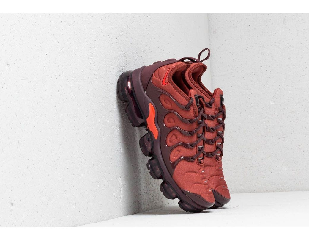 25fdfbaa079 Lyst - Nike Wmns Air Vapormax Plus Burnt Orange  Habanero Red in Red ...