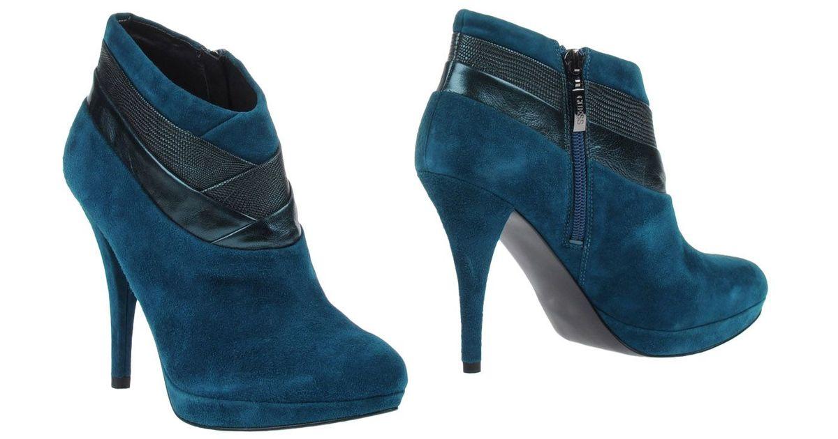 premium selection 18db6 d5a3c Guess Blue Shoe Boots