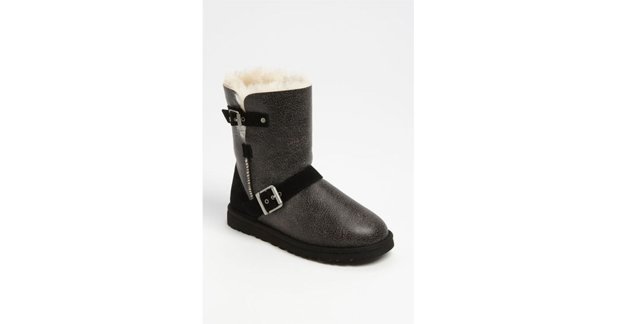 7a99a7e6abf UGG Black 'classic Dylan Short' Boot