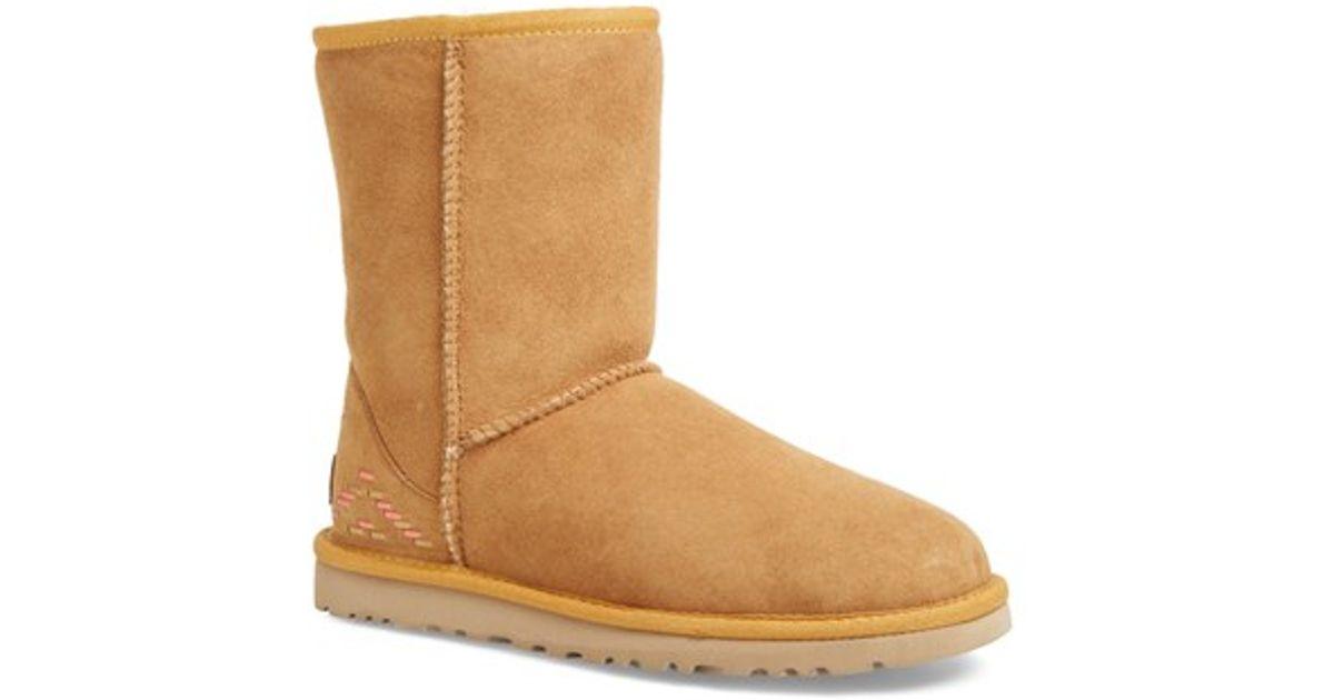 8636003683b UGG Brown 'classic Short - Rustic Weave' Boot