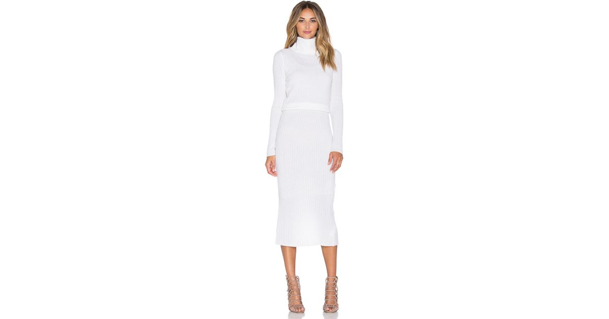 b9f5505351b Lyst - Alice + Olivia Hailee Ribbed Turtleneck Dress in Natural
