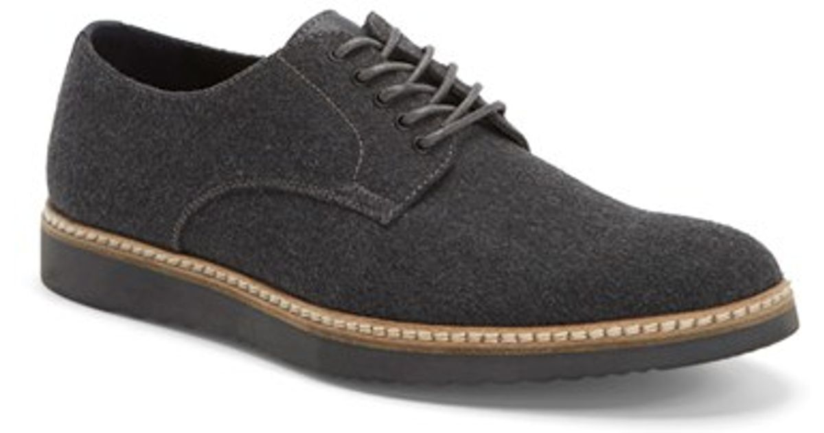 the rail slater buck shoe in black for grey fabric
