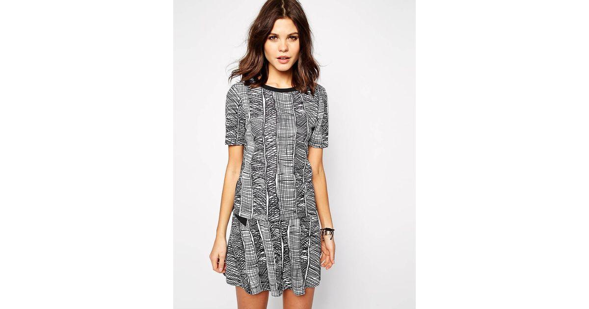 Lyst - Y.A.S Scuba T-Shirt In Grain Print in Gray a4ec04c7a