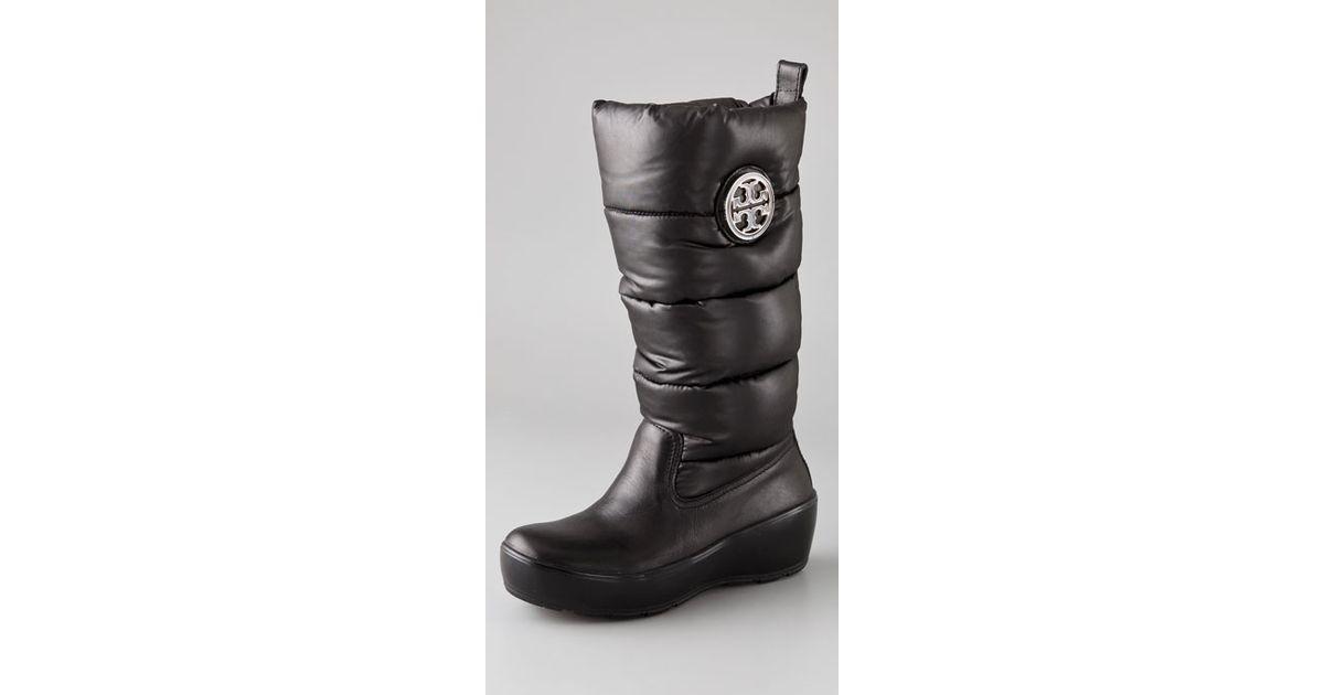 7ffadb9de46 Lyst - Tory Burch Puffer Boots with Logo in Black