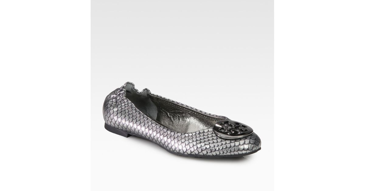 7a21a004148f Lyst - Tory Burch Reva Fish Scale-embossed Foil Leather Ballet Flats in  Metallic