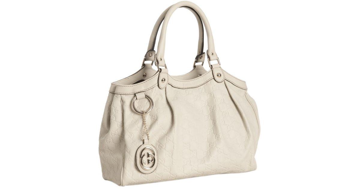 3c6383e2bfc8 Gucci Off White Guccissima Leather Sukey Shoulder Bag in White - Lyst
