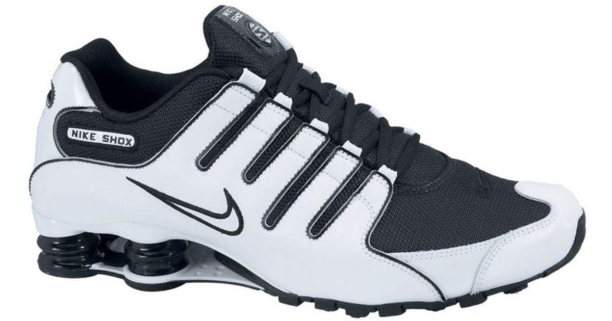 Nike Shox NZ Sneakers in Black/White