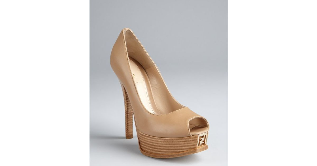 a6c51f8cca3 Lyst - Fendi Khaki Leather Fendista Peep Toe Platform Pumps in Natural