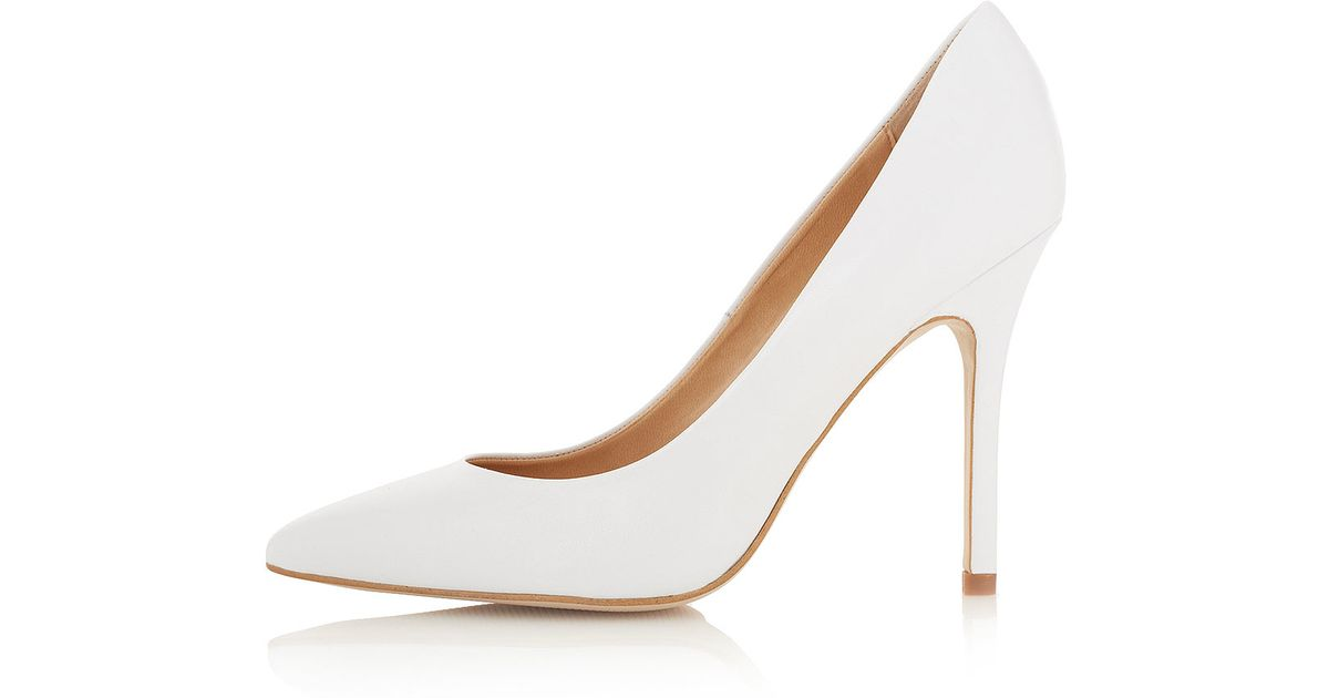 TOPSHOP Gwenda Pointed Court Shoes in