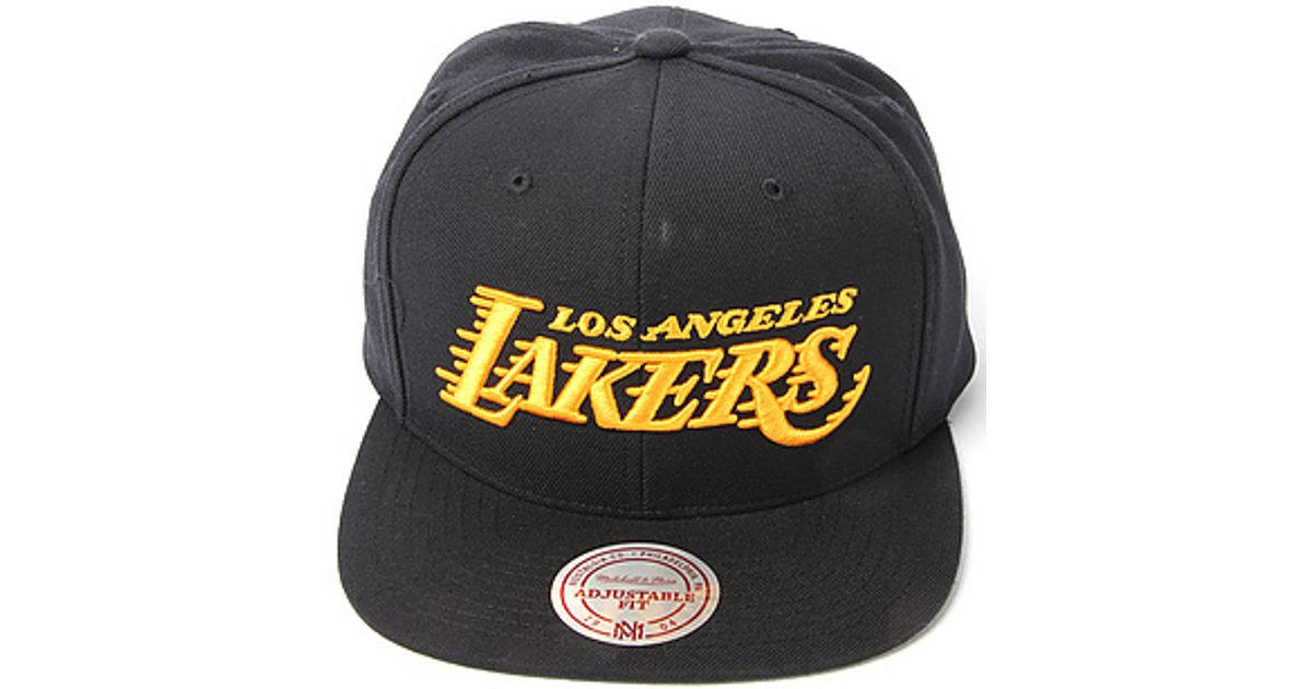 Lyst - Mitchell   Ness The Los Angeles Lakers Hwc Wool Solid Snapback Cap  in Black in Black for Men e112c336a27