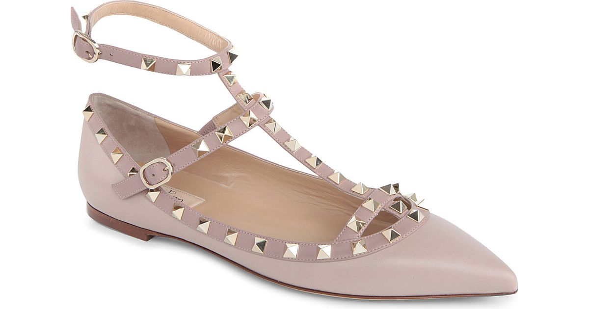 25ac592086a Valentino Rockstud Leather Flat Shoes - For Women in Natural - Lyst