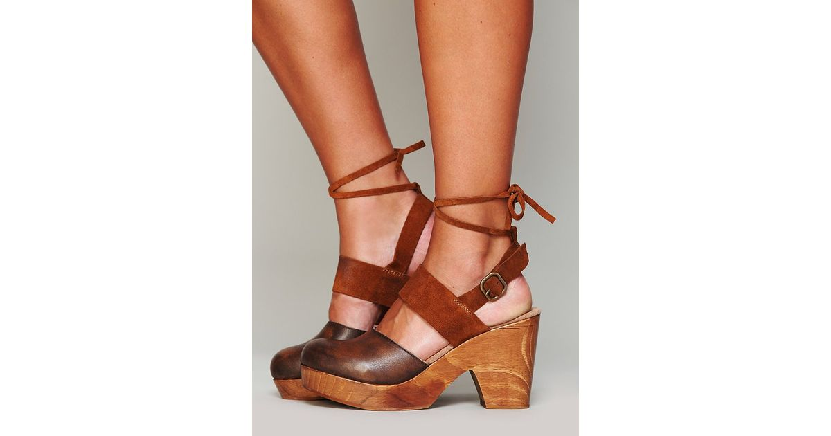 5a78fc33f3 Free People Belmont Leather Clog in Brown - Lyst
