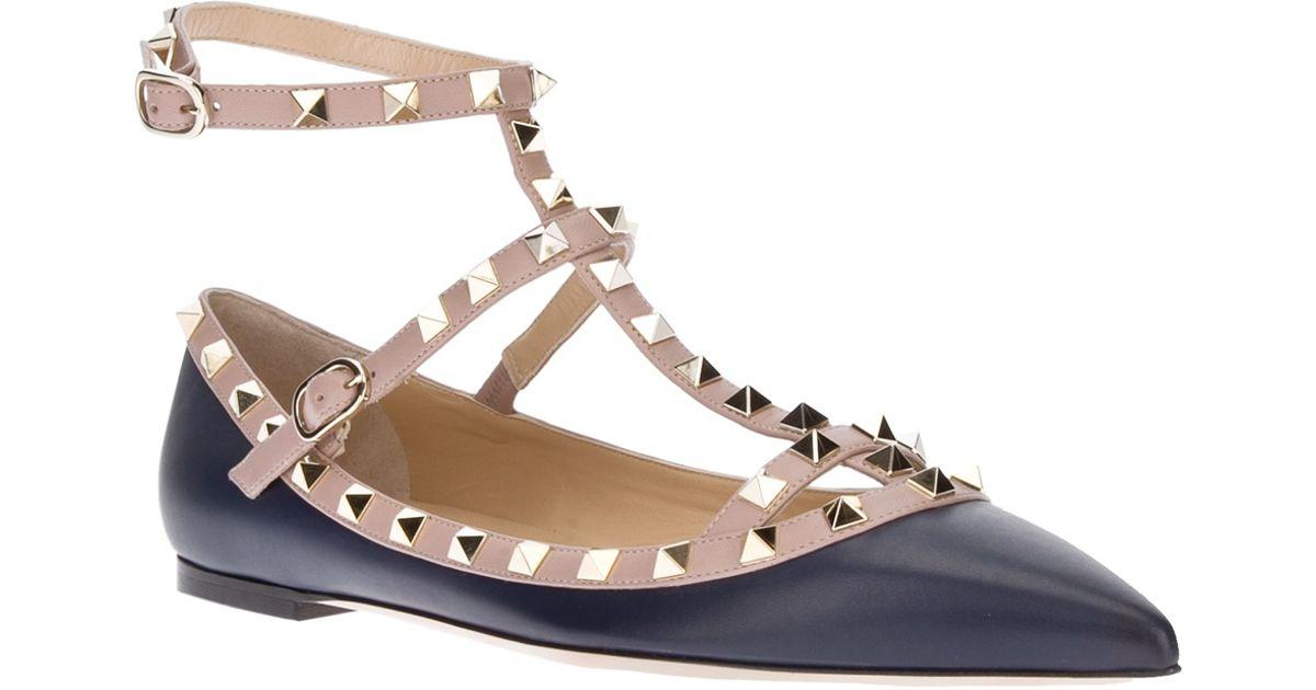 9a059613f0 Valentino Rockstud Flat Sandal in Black - Lyst