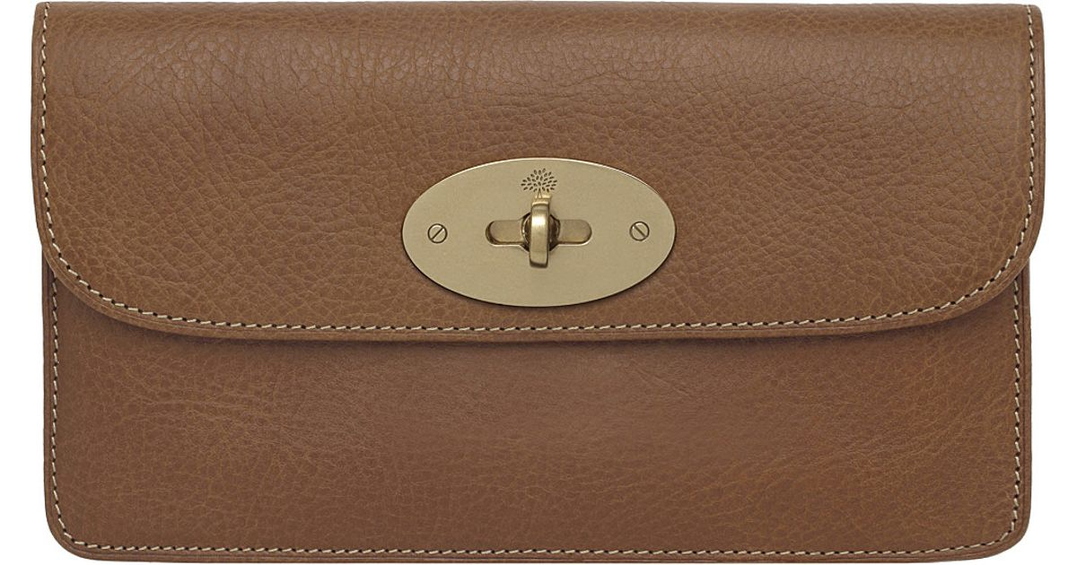 c0e56c974f ... purchase mulberry long locked natural leather purse oak in brown lyst  3b1d6 52287