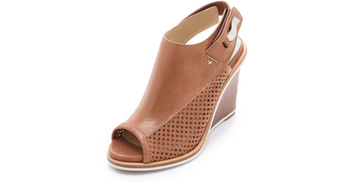 0e94f3e06f5 Rag   Bone Pala Wedge Sandals in Brown - Lyst