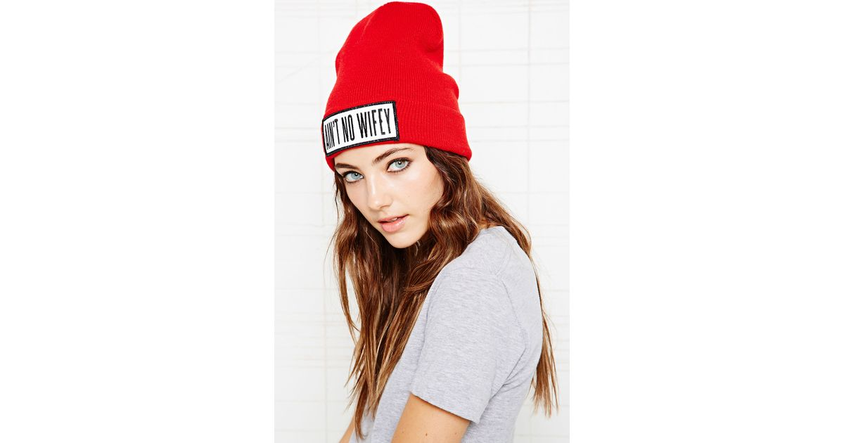 9b07a7687f1 Urban Outfitters Dimepiece Aint No Wifey Beanie in Red - Lyst