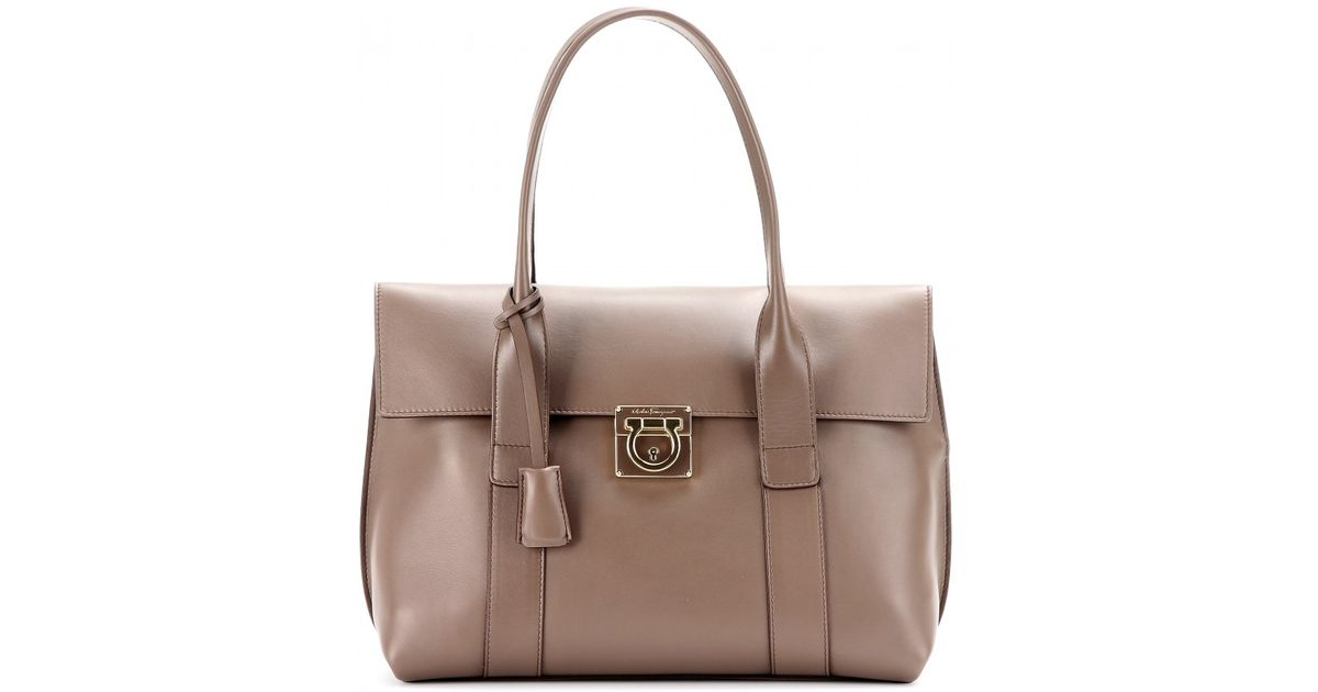 7345180341fc Lyst - Ferragamo Sookie Leather Tote in Natural