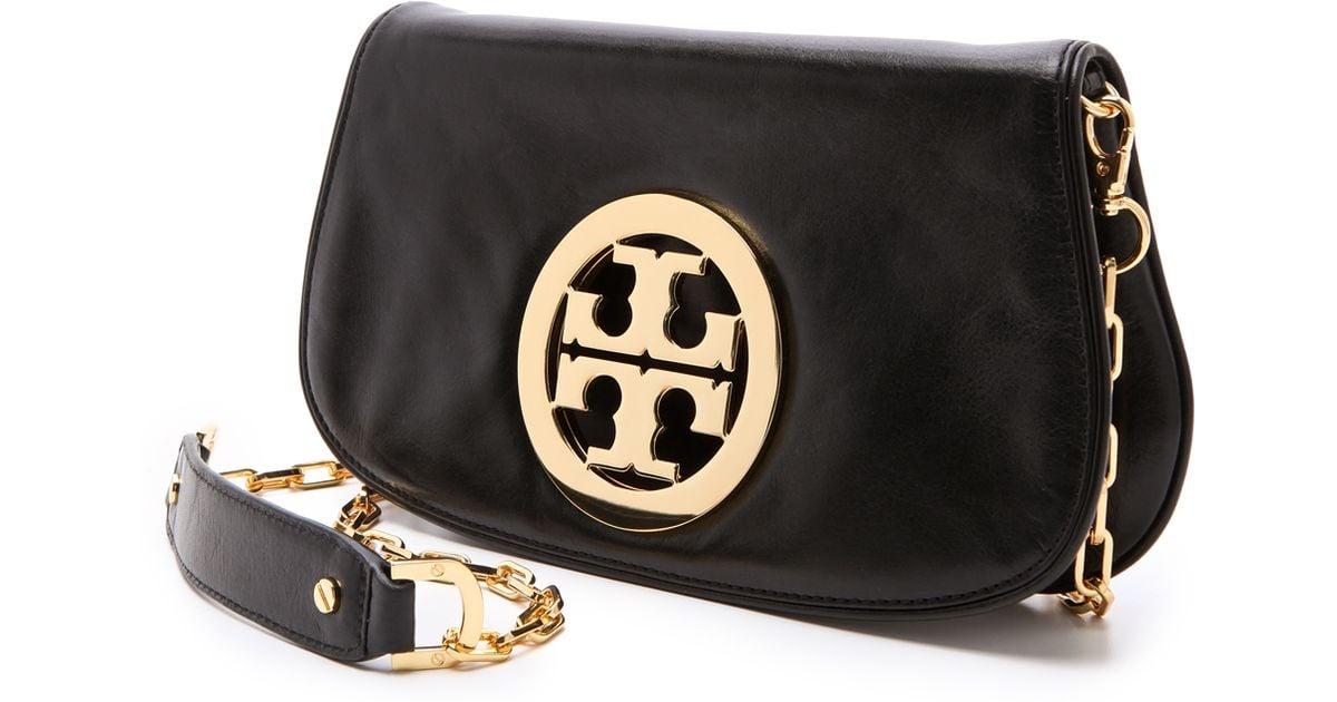 c613423adf8 Tory Burch Logo Clutch with Chain Blackgold in Black - Lyst