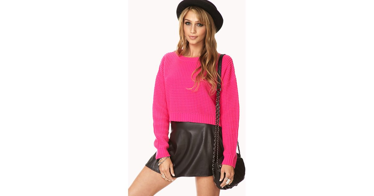 Forever 21 Cropped Waffle Knit Sweater in Pink | Lyst