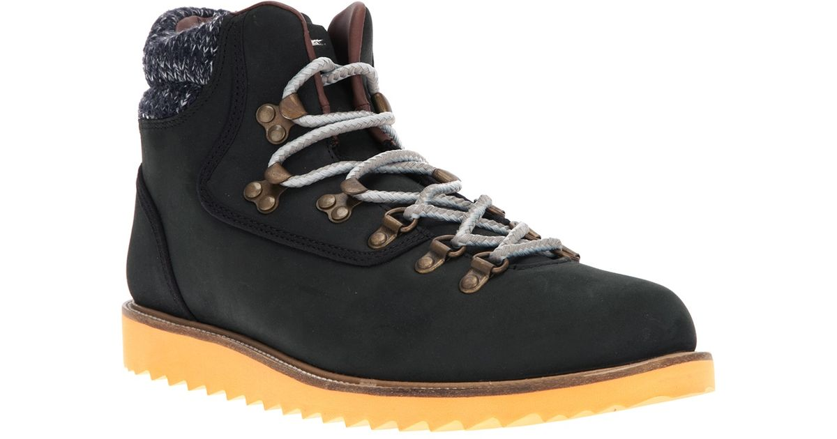 Lacoste Hiking Boot in Black for Men - Lyst
