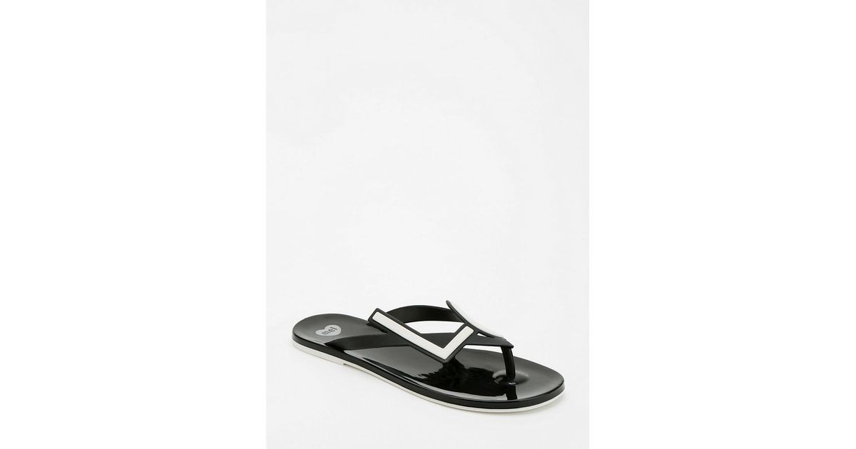 c3dc602e0 Urban Outfitters Mel By Melissa Shoes Love Thong Sandal in Black - Lyst
