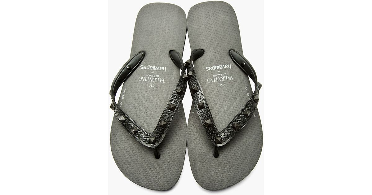 aea31a54575b Lyst - Valentino Black Studded Havaianas Edition Sandals in Black for Men