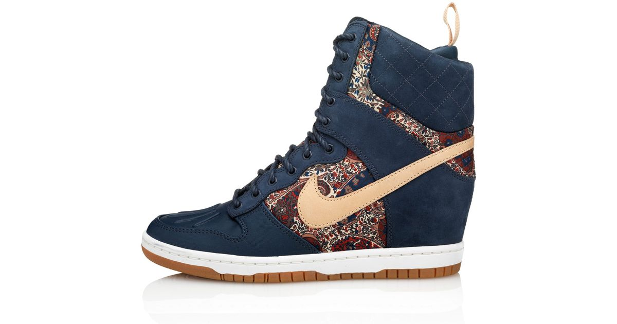 Lyst - Nike Navy Bourton Liberty Print Dunk Sky Hi Sneakerboots in Blue 554b6a5a1