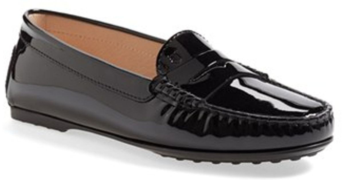 Tod's Patent Leather Penny Loafer in Black | Lyst