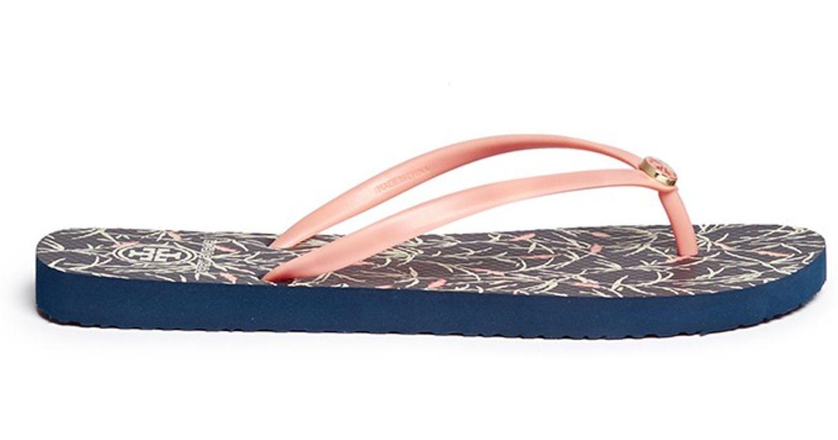 733a2b1758ddf Lyst - Tory Burch  thin  Floral Print Flip Flops in Blue