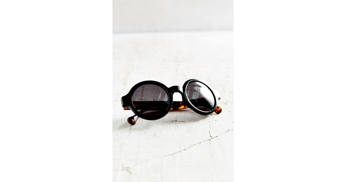 951918350a4ff Lyst - Urban Outfitters Autumn Preppy Round Sunglasses in Black