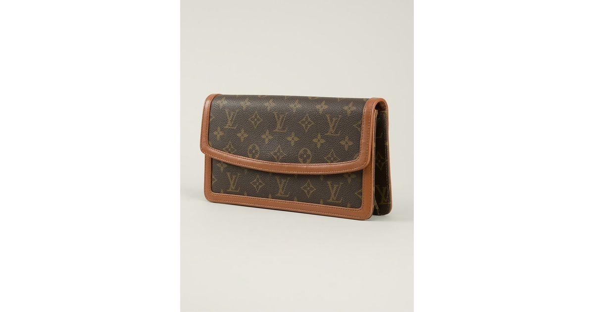 Tassen Dames Louis Vuitton : Louis vuitton monogram dame clutch in brown lyst