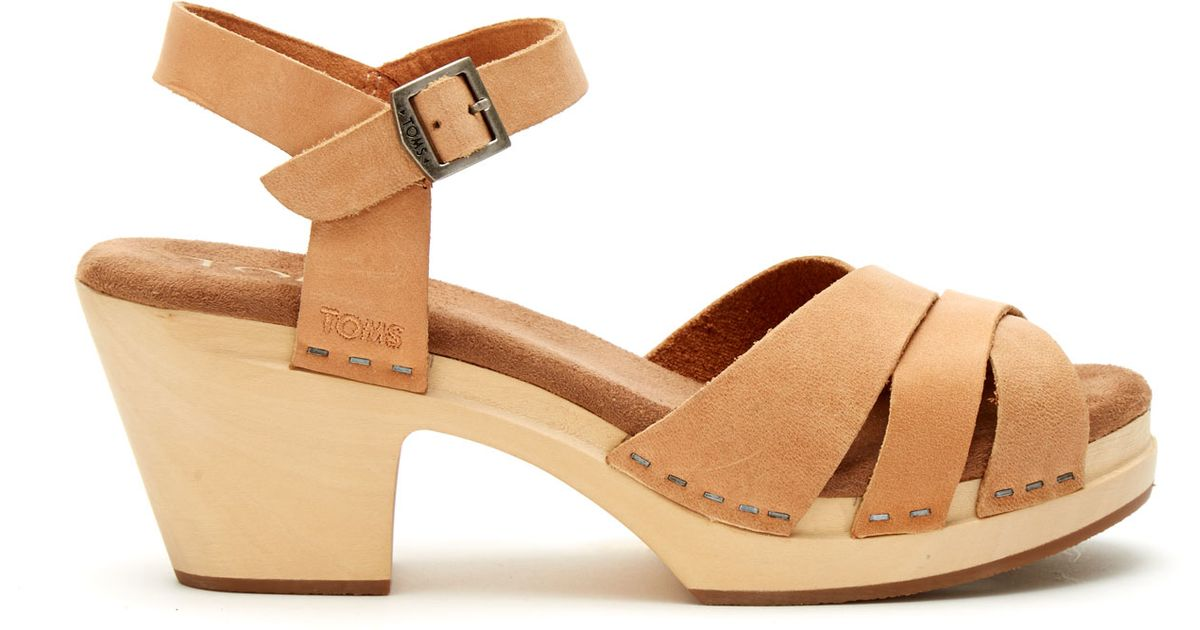 391c1310bbca2b Lyst - TOMS Sandstorm Leather Women s Beatrix Clog Sandals in Natural