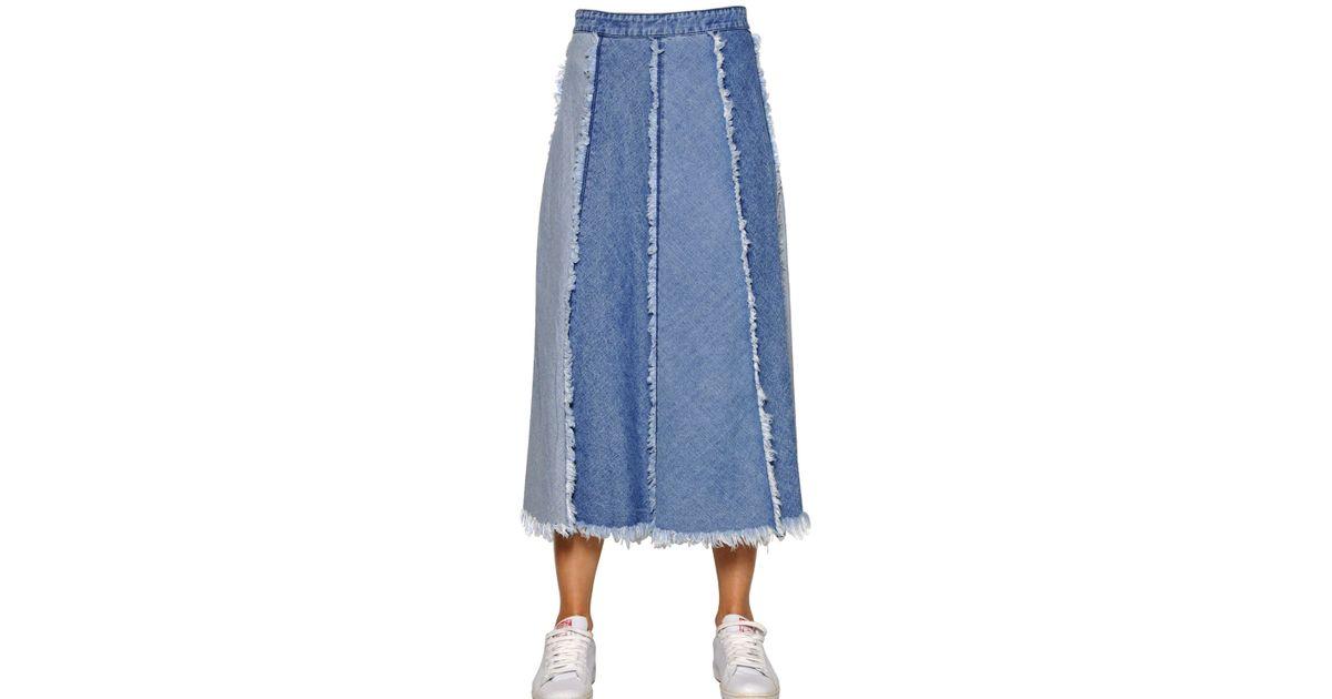 tpn paneled frayed cotton denim skirt in blue light blue