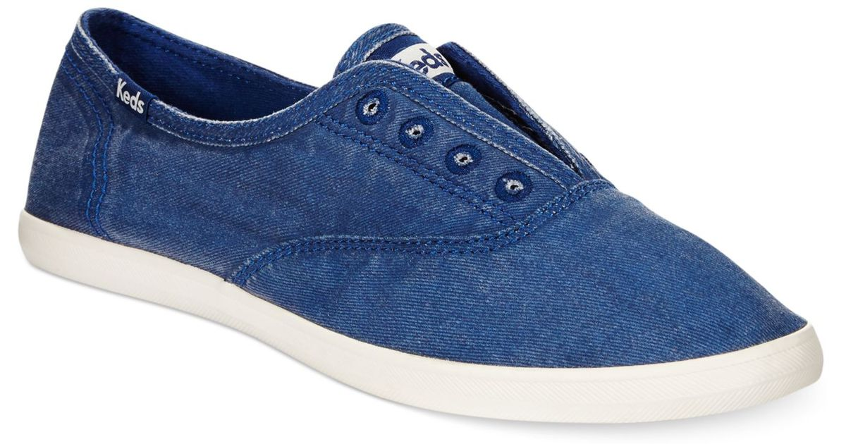 Laceless Sneakers in Navy (Blue