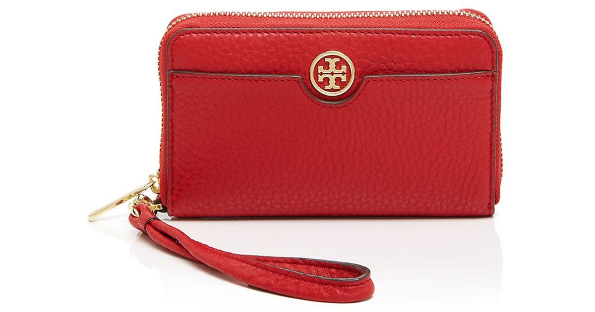 b5ad198c4e84 Lyst - Tory Burch Robinson Pebbled Smartphone Wristlet in Black