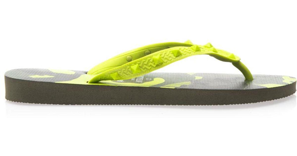 5e8ea8bdcf5 Lyst - Valentino X Havaianas Camoprint Flip Flops in Green for Men