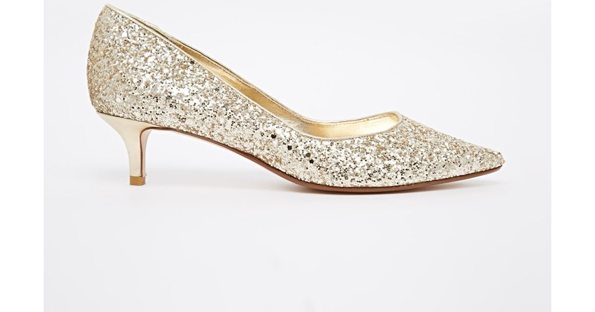 Gold Shoes Mid Heel