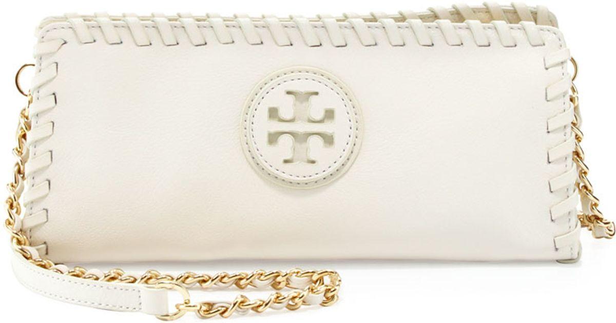 8bb8cb8f9aee Lyst - Tory Burch Marion Whipstitch Crossbody Clutch Bag Ivory in White