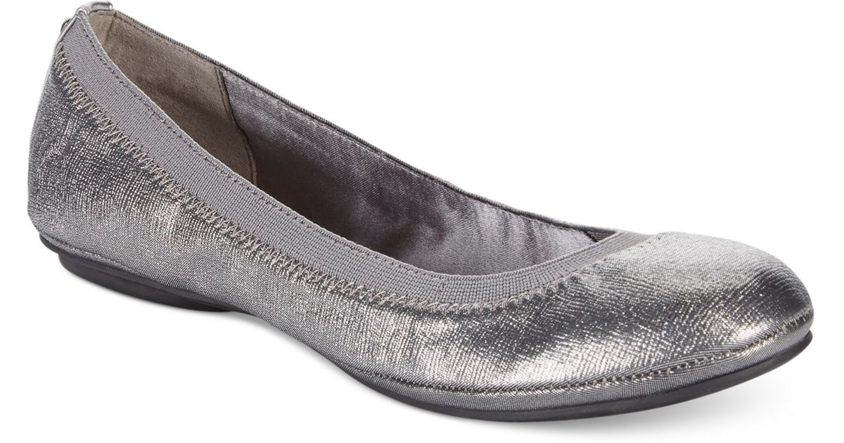 13a5dc157705 Lyst - Bandolino Edition Ballet Flats in Metallic