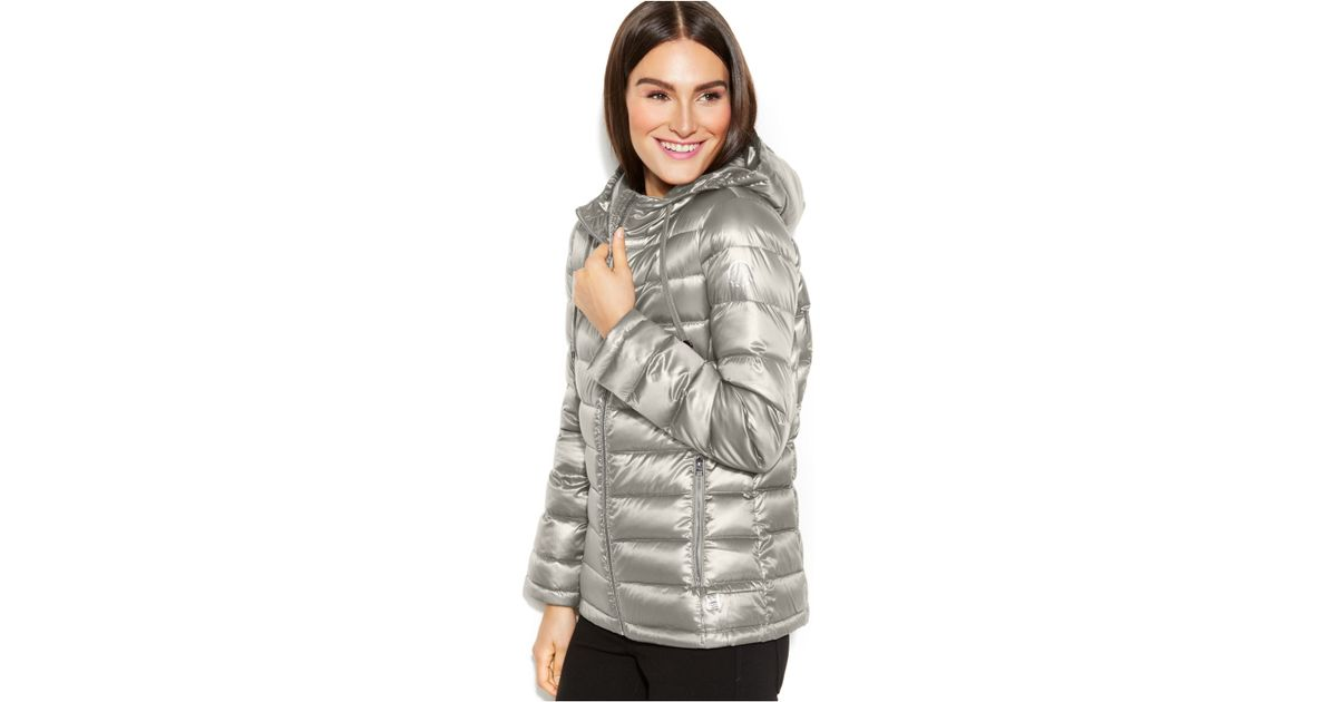 0359099e171b Calvin Klein Petite Hooded Quilted Packable Down Puffer Coat in Metallic -  Lyst