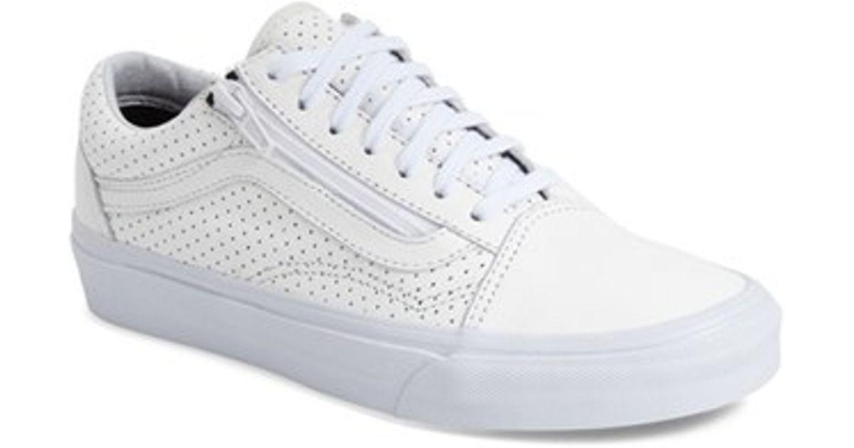 b2c904e1742 Lyst - Vans Old Skool Zip Low-Top Sneakers in White