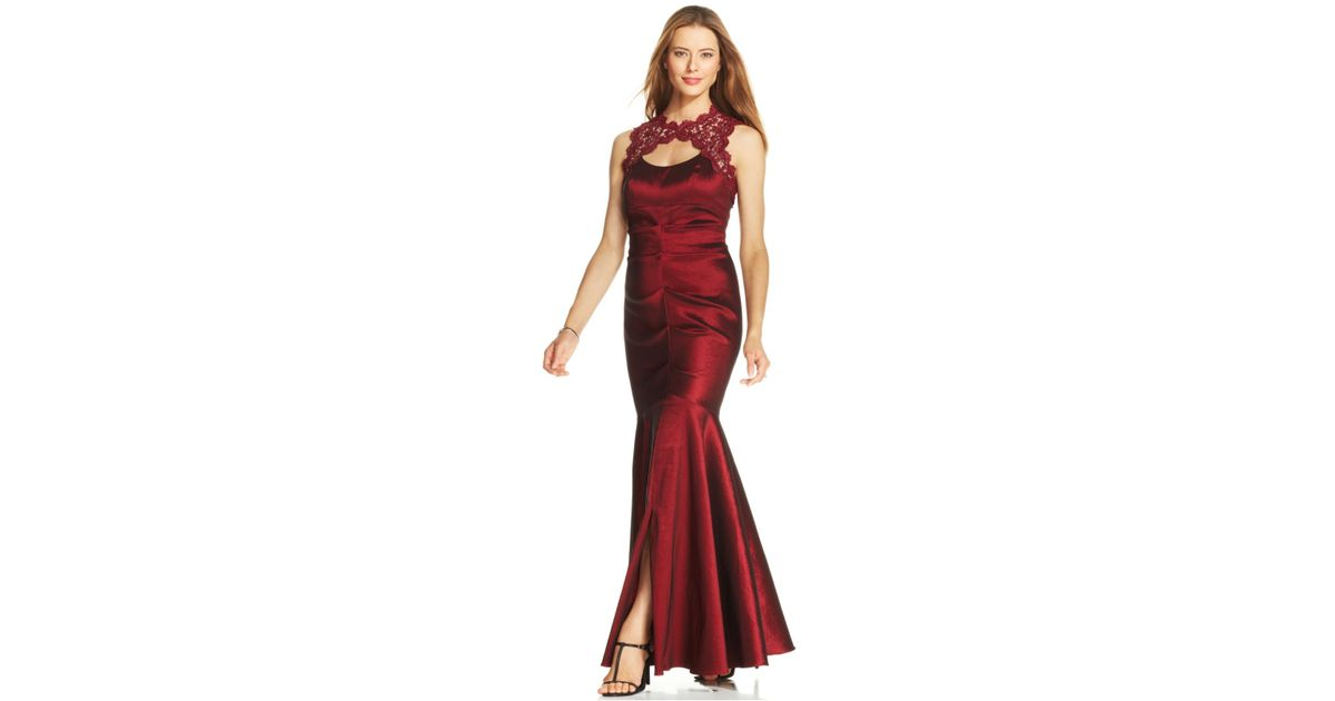 e14aca39 Xscape Petite Sleeveless Glitter Lace Mermaid Gown in Red - Lyst