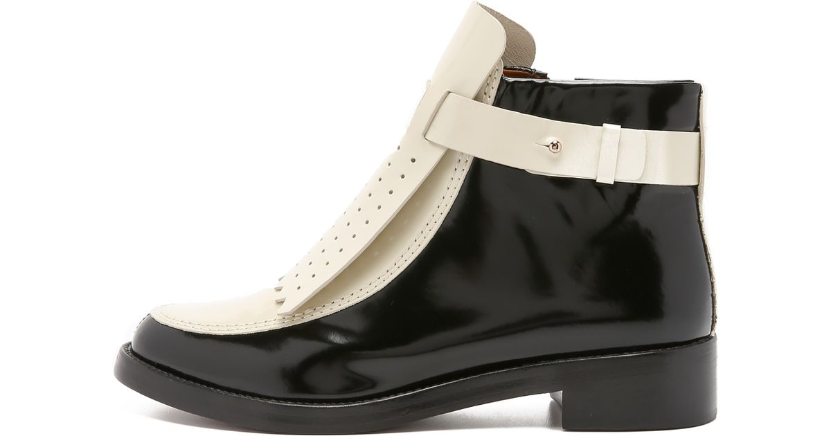 908814e04f97ab Lyst - Tory Burch Hyde Flat Booties - Black lait in Natural