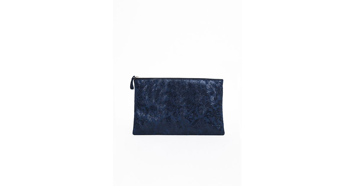 Missguided Akasha Paisley Printed Oversized Clutch Bag Navy in ...