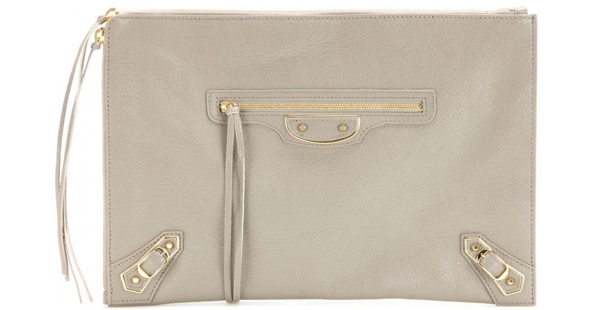 9e2715f861 Balenciaga Classic Pouch Metallic Edge Leather Clutch in Natural - Lyst