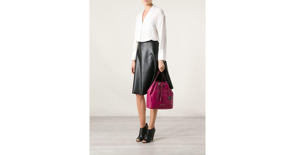 2e781bec303b89 ... norway michael kors jules large drawstring shoulder bag in pink lyst  d5301 d4e7b