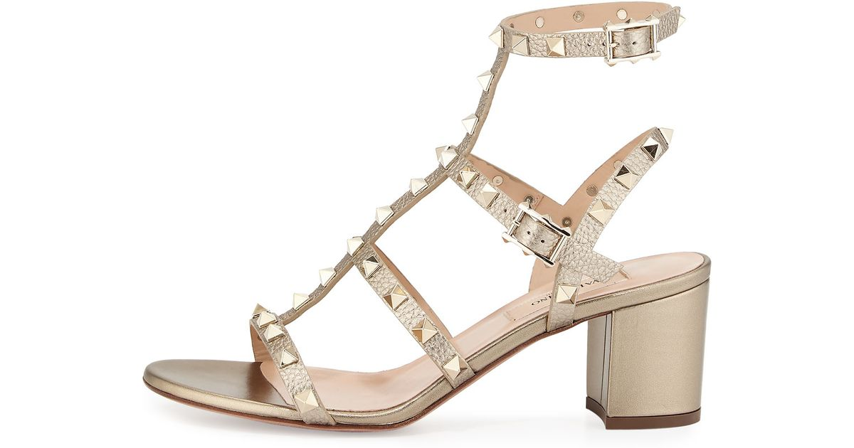 026620e65858 Lyst - Valentino Rockstud Leather Sandals in Natural
